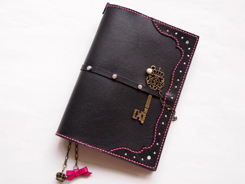 スワロフスキー追加オトナ乙女デザインの本革手帳カバー