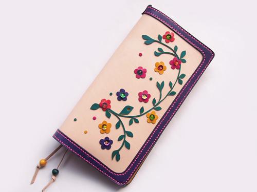 花や鳥モチーフの新作手帳カバー