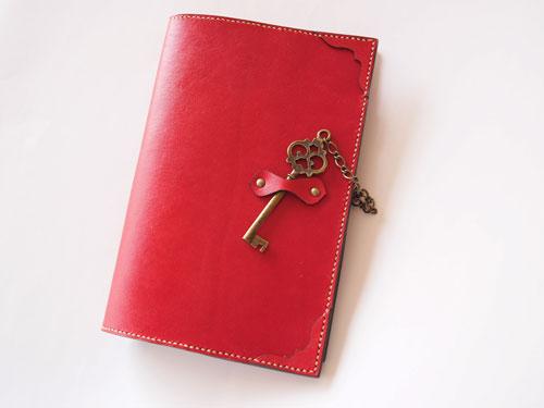 アンティーク鍵チャームのB6手帳カバー