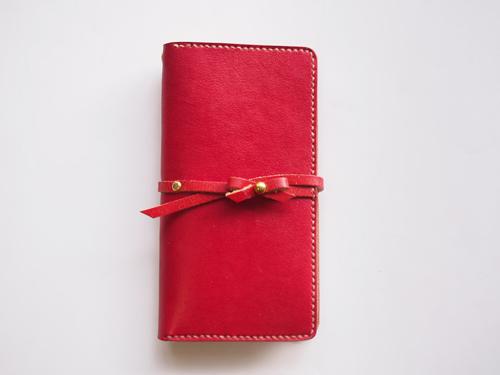 ビンテージ加工のリボン付きiPhoneケース